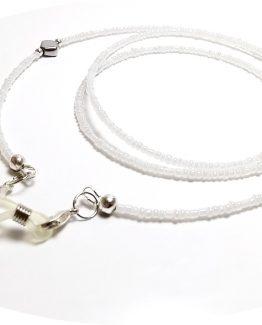 Lantisor pentru ochelari cu margele albe