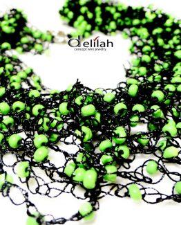 Colier crosetat din matase neagra si margele verzi